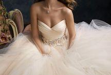 Wedding Dresses <3 <3 <3