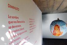 Museos y Galerías / La estética de las exposiciones generan un impacto en el público.Las obras exhibidas en sus diferentes disciplinas transmiten el mensaje del artista.