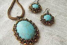 Jewelry: BEAD BEZEL STONE/RIVOLI / by cynthia pencak