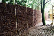 Natuurlijke tuinafscheiding / Natuurlijke tuinafscheiding, denk hierbij o.a. aan een heide schutting, bamboeschutting of wilgentenen