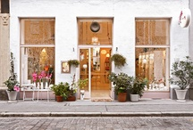 Store Design / Inspiring displays and decor for Teeny Bee Boutique