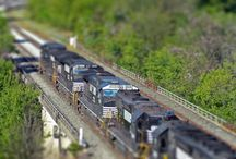 Miniature faking tilt–shift photography / I absolutely love this type of miniature faking tilt shift photography or photo editing. Now I either need to go by a new lens or bone up on my Photoshop skills.