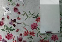 Wallcoverings in bathroom