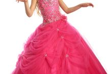 QUINCE / by Lucinda Ortiz