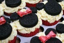 Cupcakes / by Joan Richart