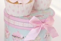 Cupcake box and deco