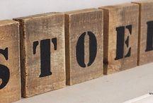 Naamplankjes met letters