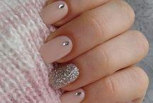 unghii cu strasuri