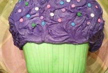 Cakes / by Danielle Savva
