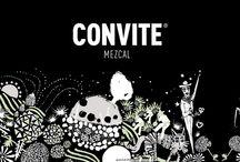 La historia en 360° / El arte en la botella muestra la historia de cómo se produce el Mezcal, desde la floración del agave hasta su destilación, así como la contribución de esta bebida a la identidad festiva mexicana.