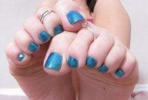 Get-Your-Feet-Summer-Ready / #pedicure #toes #polish #feet #nailpolish #pedi #cute #pink #sandals #flipflops #nails #toenails