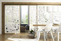 Schiebetüren / Schiebetüren, auch als Schwebetüren bekannt, schließen Schränke und Räume und sind nicht nur praktisch, sondern auch ungemein dekorativ. Als Raumteiler oder als Schranktür definieren sie mit Ihrer Größe Ihr Zuhause. Machen Sie es sich schön!