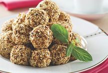 Kuruyemiş Köftesi / Hanımların çok seveceği çayın ve kahvenin yanında yenebilecek mükemmel lezzetli küçük köftecikler...