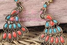 Jewelry / by Leandra Hodge