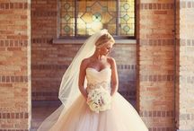 Wedding...THE Dress! / Wedding dresses / by Carole Lesly