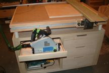 Workbench / Use drawers to set down tools