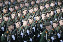 Η Κόκκινη Πλατεία φόρεσε τα «καλά της» και γιόρτασε την «Ημέρα της Νίκης» με μια μεγαλιώδη παρέλαση! / Η εντυπωσιακότερη παρέλαση όλων των χρόνων από την ίδρυση της Ρωσικής Ομοσπονδίας το 1991, για πολλούς ακόμα και από το 1945 λόγω της προβολής ισχύος των νέων πρωτοεμφανιζόμενων οπλικών συστημάτων, παρουσία του Ρώσου προέδρου Β.Πούτιν και του Ρώσου ΥΠΑΜ Σεργκέι Σοιγκού, αλλά και του Κινέζου προέδρου Ξι Ζιπίνγκ.