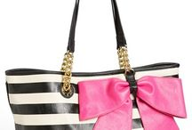 Handbags for Women / Follow the latest women handbags & purses. Discover the largest collection of women handbags