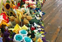 The Knitted Garden Exhibit / The Knitted Garden is an extraordinary touring exhibition, knitted by over 3000 people.