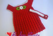Vestidinhos de crochê