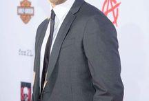 Charlie Hunnam  / Jax, Grey