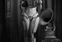 Retro-girl Robot