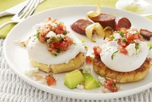 1,000 Ways to Poach an Egg / by Nicole Guerra