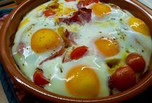 RECETAS (Huevos) / Recetas donde el huevo es el protagonista...revueltos, en tortilla, fritos, cocidos, en sopas o en ensaladas, los huevos tienen sitio en cualquiera de las comidas del día, desde el desayuno hasta la cena...¡échale huevos!