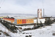 Novawood Factory / Novawood is the leading producer of Thermowood with its technology, wide range of products, and high product quality. Located in the Bolu Gerede industrial site, the Novawood plant produces 14,000 m3 of novathermowood lumber and 500,000 m2 of novathermowood finished goods annually.  Indoor Production Area11,100 m2 Additional Outdoor Area28,500 m2 Annual Production Capacity14,000 m3