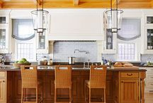 Colours: Kitchens / Kitchen style and colour featuring Benjamin Moore paint
