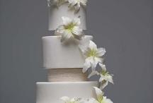 Wedding cakes with separators