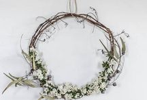 For the love of wreaths / There is something about wreaths that I will never tire of. The symbolic nature of the never ending circle and the vast varieties of ways to make them is inspiring. This board is a collection of seasonal wreaths, dried flower wreaths, fresh wreaths and asymmetrical wreaths