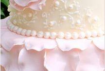 Торт в форме лепестков