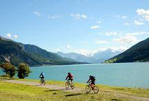 Reschenpass / Radfahren am Reschensee im Herbst, Impressionen