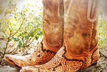 Boots / by Glupe Barnes