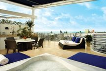 Z Ocean Hotel / Welcome to an intimate affair. Z Ocean, located on famous Ocean Drive, is a new luxury boutique hotel in the vibrant heart of South Beach. A stylish destination for your discreet rendezvous or extended escape, with excitement and white sand just steps from your room.