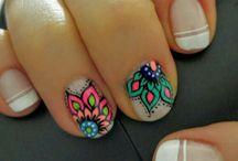 Fotos de uñas decoradas / mandala