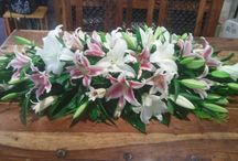 Coffin Sprays / The Bee's will do their utmost to cater for any ideas that you wish with any mixture of flowers subject to season. Please feel free to contact Tanya to discuss a price that suits your needs