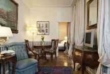 Jardin Imaginaire / La Suite Jardin del Petit Palais di Milano è composta da una camera matrimoniale, da una camera singola, un'ampia zona giorno ed un bagno in marmo italiano con doccia. Affacciata sul caratteristico cortile interno, la Suite Jardin Imaginaire regala all'ospite il massimo della tranquillità.
