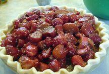 best strawberry rhubarb pie ever / by Liz Foust