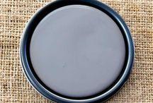 Chalk Paint® Old Violet / Chalk Paint® decorative paint by Annie Sloan
