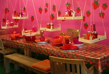 Entertaining / Table settings for entertaining that are sure to wow and impress your guests. / by deBebians