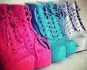Shoes to fashion / I'd like to shoes with high heels, because I'm jealous very much !! #OHMYGODIMJEALEOUS