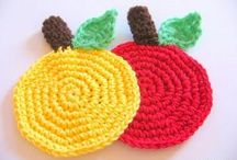 Fall Crochet Patterns / fall craft ideas, fall crochet patterns, autumn craft ideas, crochet pumpkin, crochet pumpkin pattern