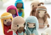 Crochet nativity scenes