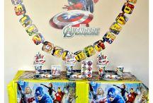 Fiesta de Avengers / Ideas y artículos para una fiesta de cumpleaños de los personajes de Avengers como Spiderman, Hulk, el Capitán América y Thor.