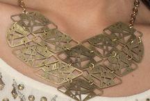 Acessórios Sophie & Juliete - Looks / Brincos, pulseiras, colares, anéis e acessórios que fazem diferença no look Produtos da Sophie&Juliete.