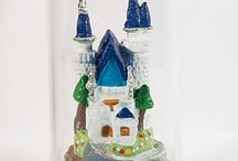 Miniature castle and house / This figurine was originally sculptured by Mari Speridião. Thanks to precise metal casting process and handpainting all details could be reproduced. Tin metal alloy (pewter) and painting are free of pollutant metal like lead