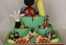 cakes, cookies and other sweet treats / by Corine Woolfe