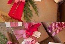 Xmas gift wraps